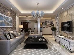 客厅中的吊顶以及沙发背上的陈设品的组合,像一件件现代艺术装置。给别人别样的视觉感受。,130平,14万,现代,三居,客厅,餐厅,