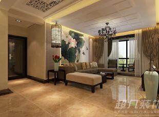 沙发背景墙上左右对称的造型与大幅的水墨荷花为空间添加了一丝人文气息,中式元素流淌在空间。,110平,10万,中式,三居,客厅,黄色,