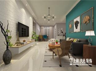 国龙绿城怡园88平方两室两厅北欧风格装修设计案例--沙发背景墙,沙发背景墙实用带有森林色彩的蓝绿色,在简约的空间中制造焦点。也衬托浅灰色的布艺沙发与原木茶几让简单线条的家具更具有立体感。,89平,6万,欧式,两居,客厅,绿色,