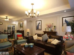 木质家具的配色始终散发沉着稳健的底蕴,对于80后业主的个性彰显来说,是此时此刻的80一代渐渐拥有的心态吧!,客厅,美式,绿色,成都设计,80后,现白色代美式,四居,