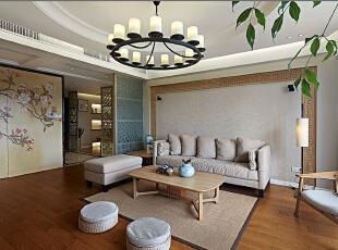 为您创造一个温馨,健康的家庭环境,,让您回味古典雅致的中式韵味,为您打造精致,优雅,古典壮观的风格,135平,11万,中式,三居,客厅,