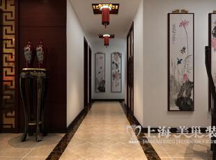 海马公园新中式风格装修案例141平方3室2厅户型效果图——过道,洁白的墙面,挂上几幅水墨画,一种文雅的气氛被表现出来。,141平,10万,中式,三居,