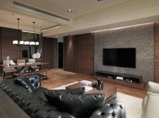 选择了大理石水冲面的部份作为空间主景,搭配烤漆铁件的质感收边,透过俐落简洁的收纳整合,一一满足实用与美感兼具的机柜需求。,156平,16万,简约,四居,客厅,原木色,白色,