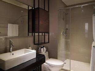 彷彿精品旅店般的风格设定,在家也能轻鬆享受星级盥浴空间。,156平,16万,简约,四居,卫生间,黑白,