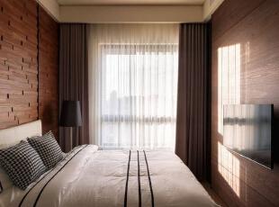 採取替代性的材质配搭,由实木二丁挂带出层次深刻的温润质感,156平,16万,简约,四居,卧室,原木色,