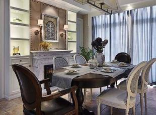 靠墙设计了一整面的收纳柜,低调奢华大气。,257平,34万,混搭,别墅,餐厅,