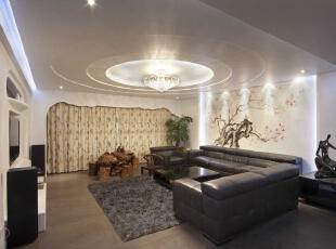 在客厅设计的处理上根据主人需求大多以简单干净为主,在细节上力求改变,增加层次感和整体通透感,因此在设计中注意颜色的深浅搭配,冷暖的协调和使用功能的统一性。,180平,12万,现代,四居,