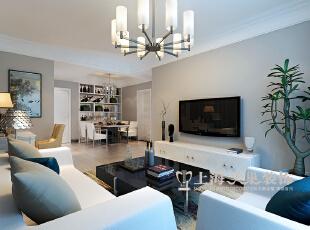 客厅的设计没有使用太多的装饰,以浅灰色的墙漆饰面,与天花与地面空间有了明显的层次划分,地面使用浅色的木纹饰面地板,形成舒适自然的装修效果。,89平,6万,现代,两居,客厅,