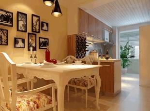 欧式岛台的设计,加上红酒架的点缀,不仅有效分割了空间餐厅的合理划分,使餐厅厨房更加和谐统一。,88平,6万,现代,两居,
