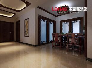 餐厅别具一格的中式吊灯,实木的中式餐桌椅,更显得在古朴中透露雅致。,140平,16万,中式,三居,石家庄海棠湾装修,餐厅,