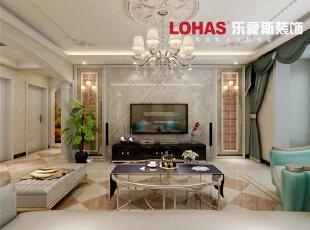电视背景墙采用大理石的背景墙设计,采用精美的吊顶与华丽的水晶吊灯设计,温馨又华丽。,128平,15万,欧式,三居,客厅,