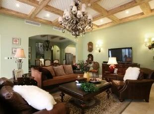 乡村风格在美式家具中一直占有重要地位,由于它造型简单、明快,而且实用,长久以来受到各国消费者的喜爱。在1998年的家具展中被加入了多功能设计,外观和用料仍保持自然、淳朴的风格,隐藏设计的抽屉收纳了空间,使其看起来更整洁、美观。,300平,60万,现代,一居,