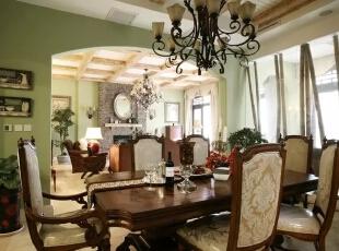一般而言,美式家具必须经过几个阶段的作业才能凸显美式风格。不同木材和不同部位的各色各样的稀有纹理,乃至树木生长期中由于病理变化产生的特殊纹理都是美式家具的最爱。,300平,60万,现代,一居,