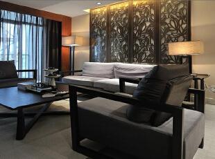 装饰色彩:新中式风格的家具多以深色为主,墙面色彩搭配:一是以苏州园林和京城民宅的黑、白、灰色为基调;二是在黑、白、灰基础上以皇家住宅的红、黄、蓝、绿等作为局部色彩。,116平,38000万,中式,两居,
