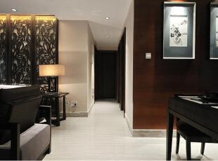 配饰家具:新中式风格的家具可为古典家具,或现代家具与古典家具相结合。中国古典家具以明清家具为代表,在新中式风格家具配饰上多以线条简练的明式家具为主。,116平,38000万,中式,两居,