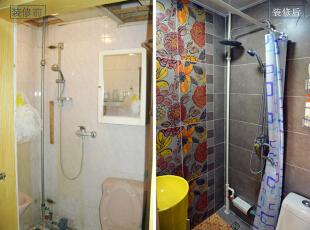 设计说明:装修前的卫生间过于狭小,有渗水的迹象,且通风也不好,还没有放洗衣机的地方。装修后,更换了墙地砖,结局用品,重新做了防水,解决了之前的问题,另外添加了一些收纳设备,增添了空间的实用性。,57平,56000万,地中海,两居,