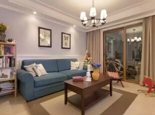 门厅处的鞋柜,之所以选择白色的是于客厅沙发背景的白色护墙板做了色彩统一,主色调统一,整体不凌乱。灰蓝色墙面,深蓝色沙发,安静,舒适。家应该就是这样的感觉。,88平,11万,混搭,两居,客厅,宜家,