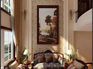 在沙发背景墙的设计上,经典的壁纸设计,加上唯美的壁画设计。窗口的设计与通常落地窗不同,这样的设计会更加有层次感,金色调的窗帘选择是本案例设计的点睛之笔,恰能体现出业主追求生活的品质。,200平,21万,中式,跃层,客厅,国赫阑珊装修,