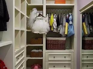 女儿的衣帽间,500平,220万,现代,一居,