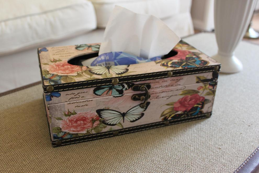 木皮做的彩绘纸巾盒,很有质感。,孤品,
