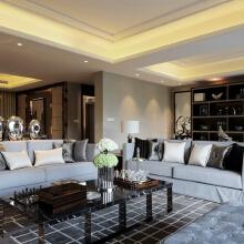 整个客厅开放式的设计布局,让客厅看起来更大更舒适。