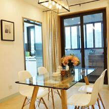 现代元素,不锈钢 玻璃通过运用灯光和木质元素去柔和,使得摩登也可以很温馨。