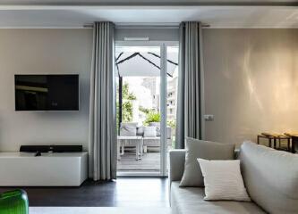 周末设计欣赏——现代设计之韵之法国现代时尚公寓。