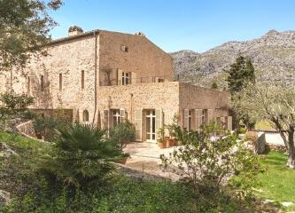 迷人的地中海古朴别墅