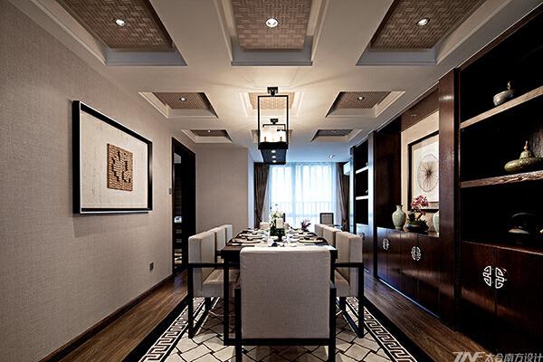 形态优美的桌椅,做工精良的花格,端庄而稳健,无不在传递着主人对空间一种修身养性的生活态度。,原木色,餐厅,40万,四居,中式,175平,