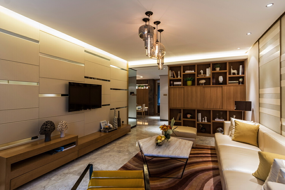 特色的灯,电视柜上的摆件等都显示出主人对精致生活的追求,45万,四居,现代,白色,客厅,130平,