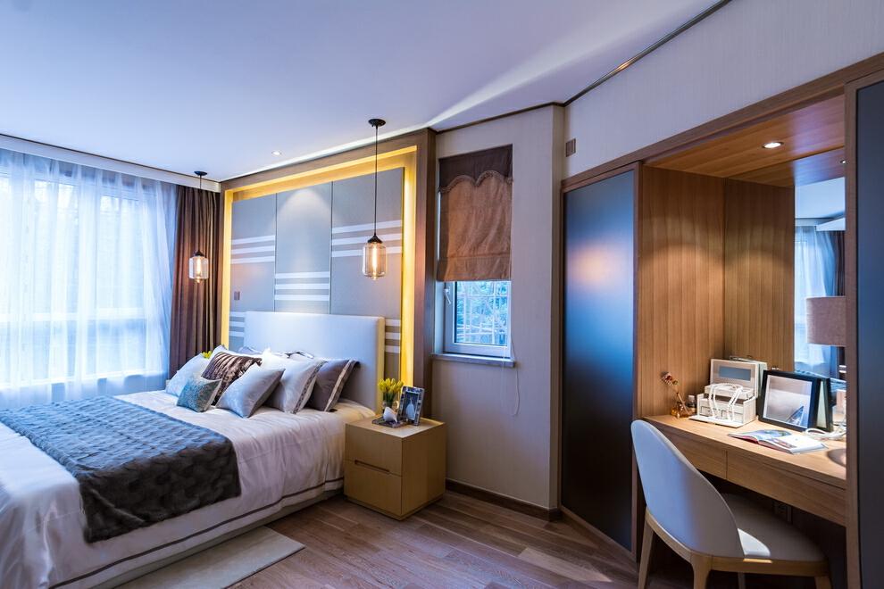 ,白色,卧室,130平,现代,45万,四居,