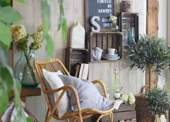 花影轻摇的下午,点点阳光,淡淡清香,给人美的享受